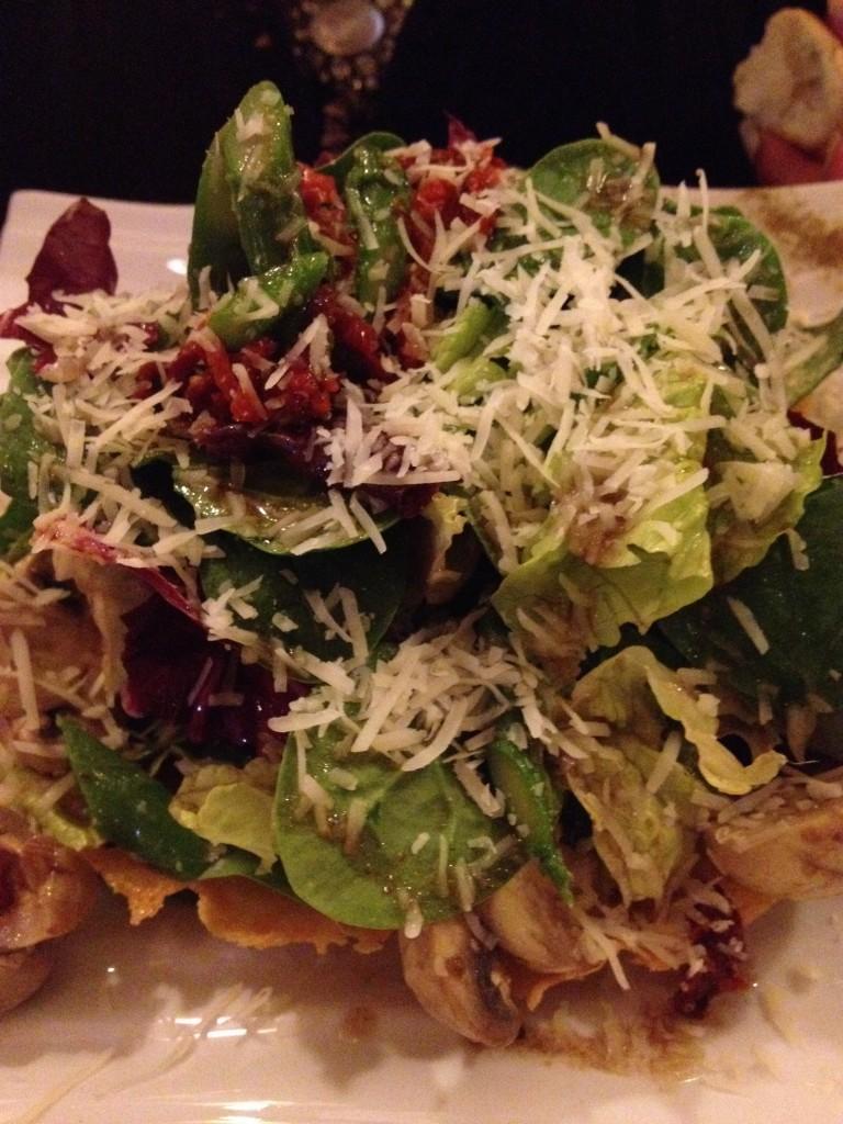 Salad w Parmesan Basket
