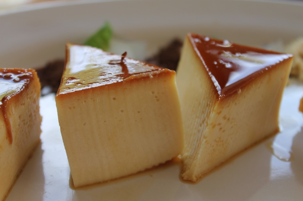 Queso napolitano or flan for dessert.