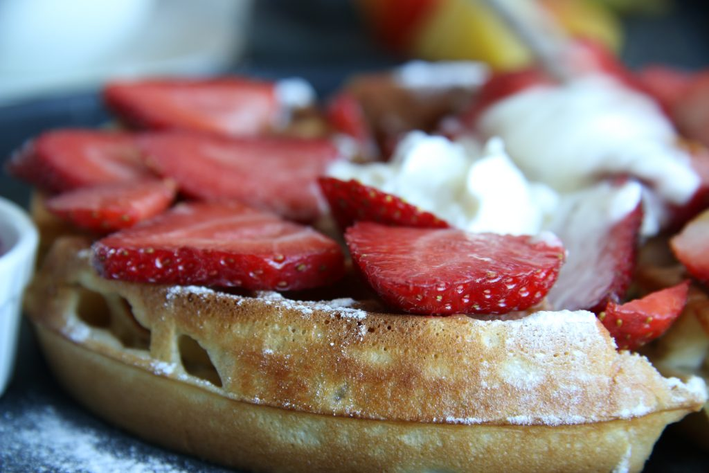 wafles, fresas, crema batida, light, desayuno, Merida, Marmalade